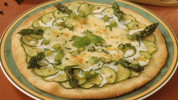 Rezept: Brotfladen mit Zucchini und Spargel