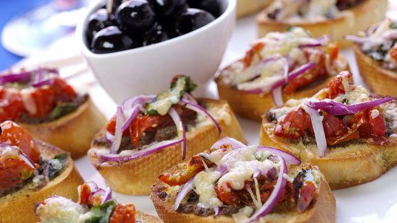 Rezept: Bruschetta mit Käse und Tomaten