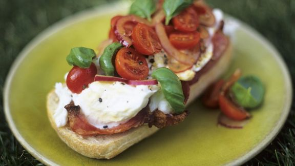 Rezept: Bruschetta mit Tomaten und Zwiebeln
