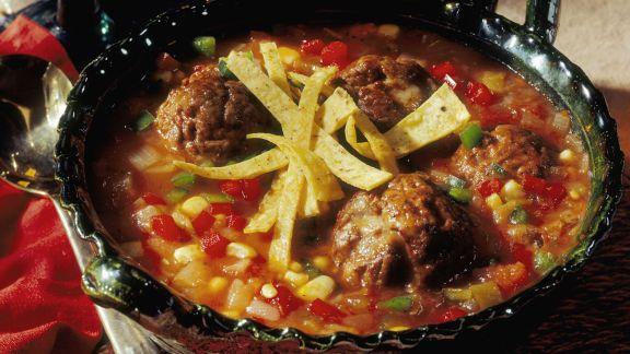 Rezept: Bunte Gemüsesuppe mit Fleischbällchen