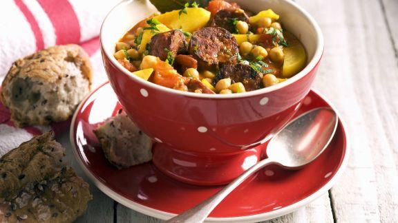 Rezept: Bunte Kichererbsensuppe mit Chorizo