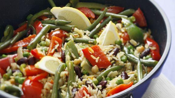 Rezept: Bunte Reispfanne mit Paprika und grünen Bohnen
