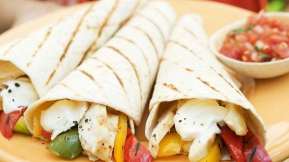 Rezept: Bunte Wraps mit Salsa