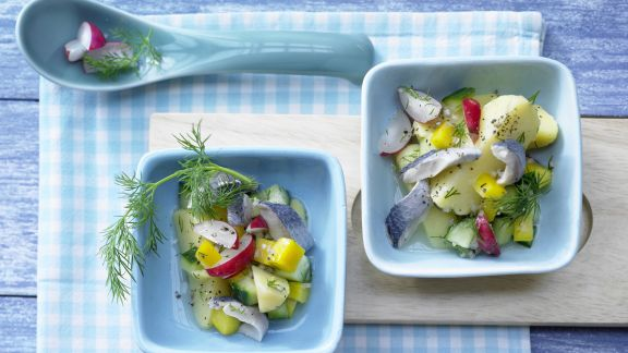 Rezept: Bunter Kartoffel-Hering-Salat