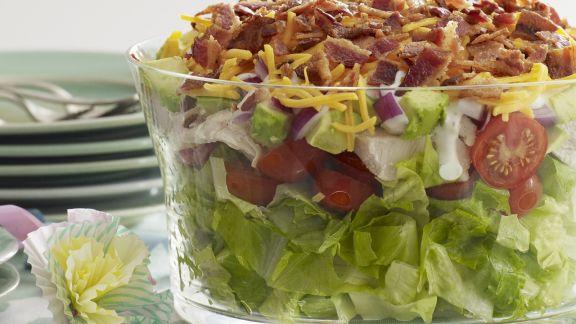 Rezept: Bunter Salat mit Käse und Speck