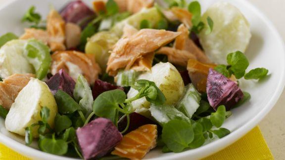 Rezept: Bunter Salat mit Lachs, Kartoffeln und Roter Bete