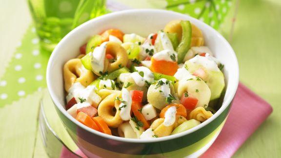 Rezept: Bunter Tortellini-Salat