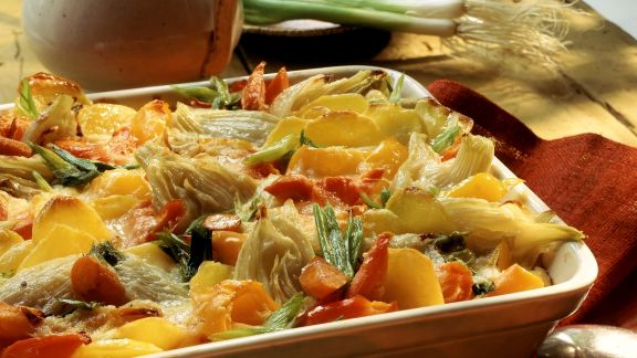 Rezept: Buntes Gemüsegratin mit Kartoffeln