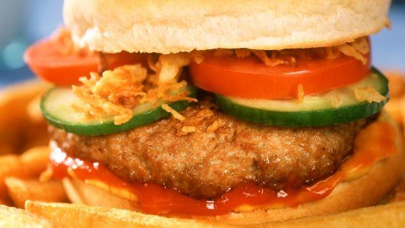 burger mit pommes rezept eat smarter. Black Bedroom Furniture Sets. Home Design Ideas