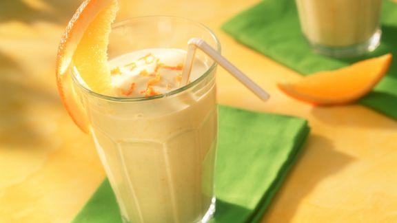 Rezept: Buttermilch mit Orange und Avocado