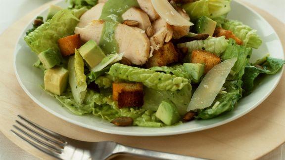 Rezept: Cäsar Salad mit Avocado