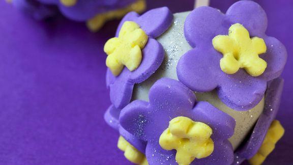 Rezept: Cake Pops mit Blüten