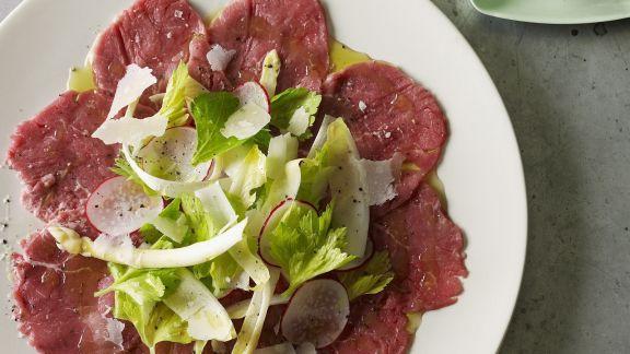 Rezept: Carpaccio mit grünem Salat