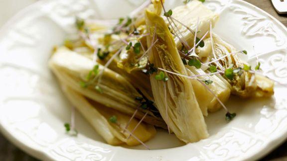 Rezept: Chicorée mit Honig und Rotkrautsprossen