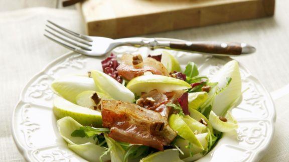 Rezept: Chicorée-Speck-Salat mit Birnen