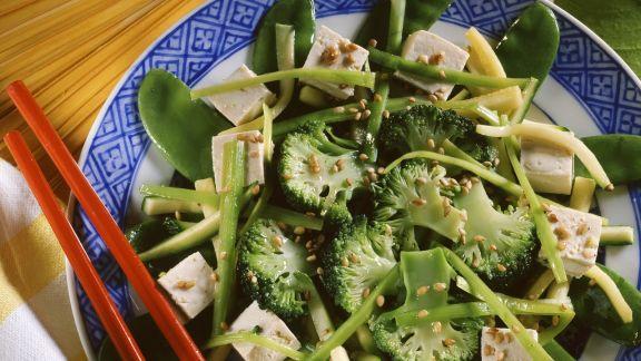 Rezept: Chinapfanne mit Tofu und grünem Gemüse