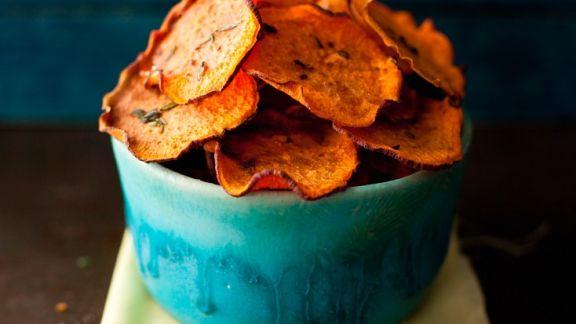chips aus s kartoffeln rezept eat smarter. Black Bedroom Furniture Sets. Home Design Ideas