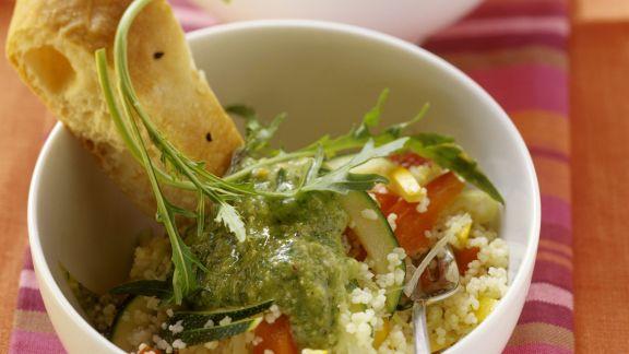 Rezept: Couscous mit Paprika dazu Rucola-Birnen-Soße