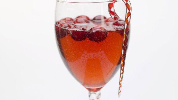 Rezept: Cranberry-Cocktail zu Weihnachten