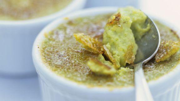 Rezept: Creme brulee von Spargel und Pistazien