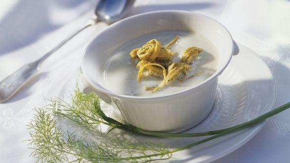 Rezept: Cremige Fenchelsuppe mit Pfannkuchen