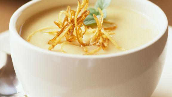 Rezept: Cremige Gemüsesuppe mit knusprigen Julienne