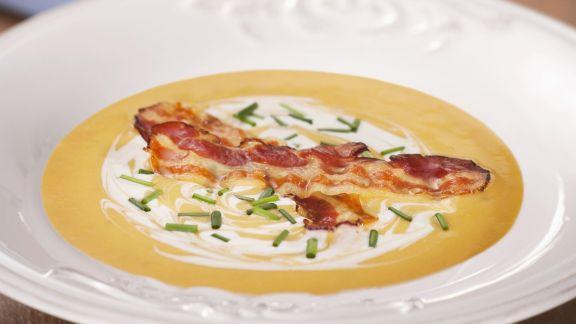 Rezept: Cremige Kürbissuppe mit Bacon