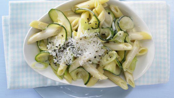 Rezept: Cremige Zucchininudeln