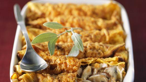 Rezept: Crêpe-Gratin mit Champignonfüllung