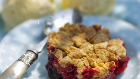 Rezept: Crumble mit Äpfeln und Brombeeren