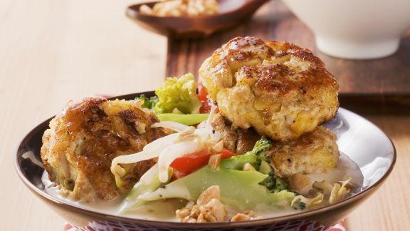 Rezept: Curry-Frikadellen mit Kokos-Gemüse