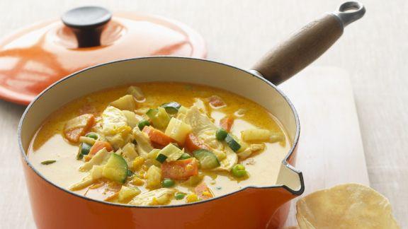 Rezept: Curry-Gemüse-Suppe mit Hähnchen