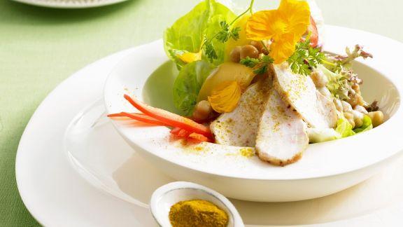Rezept: Curry-Hähnchen mit Blattsalat