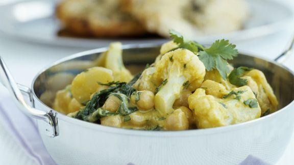 Rezept: Curry mit Kichererbsen und Blumenkohl