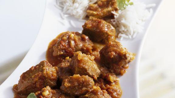 Rezept: Curry mit Lamm dazu Reis