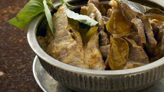 Rezept: Curry mit Rindfleisch und Kaffirlimetten