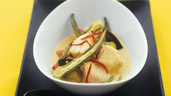 Rezept: Currysuppe mit Anglerfisch und Okraschoten
