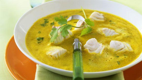 Rezept: Currysuppe mit Seelachs
