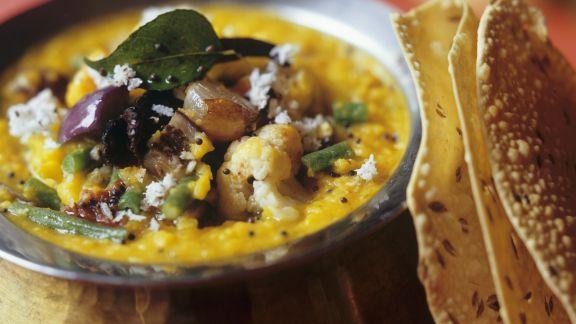 Rezept: Dal mit Gemüse, Kokos und Fladenbrot