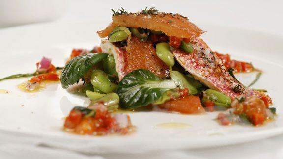 Rezept: Dicke Bohnen-Salat mit Meerbarbe