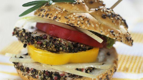 Rezept: Doppeldecker-Brötchen mit Paprika und Putenbrust