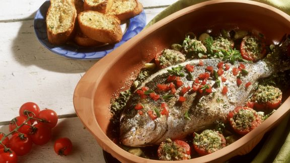 Rezept: Dorade mit Tomaten im Römertopf