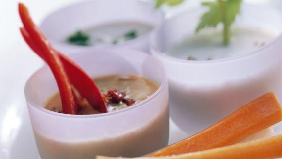 Rezept: Dreierlei verschiedene Gemüsedips