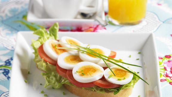 Rezept: Eierbrot mit Tomaten