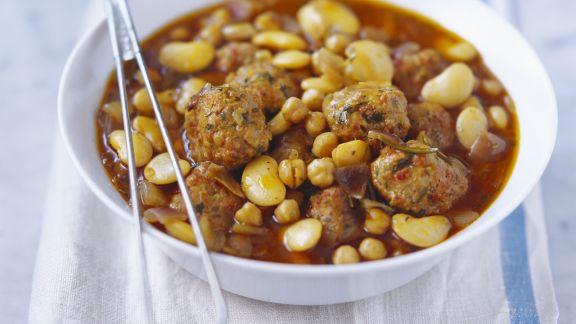 Rezept: Eintopf aus weißen Bohnen mit Lammfleischbällchen