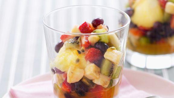 Rezept: Eis mit Fruchtsalat