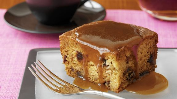Rezept: Englischer Dattelpudding mit Karamellsoße