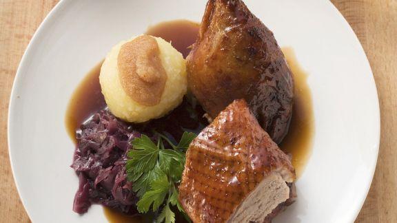 Rezept: Ente mit Rotkraut und Knödel