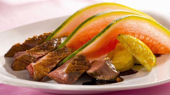 Rezept: Entenbrust mit Melone, Apfel und Branntwein aus der Normandie (Calvados)