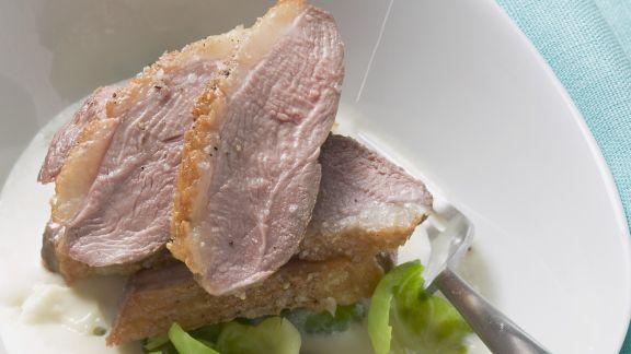 Rezept: Entenbrust mit Soße aus Birne und Blauschimmelkäse